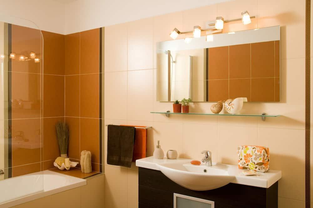 Biệt thự, 4 phòng ngủ - Phòng tắm
