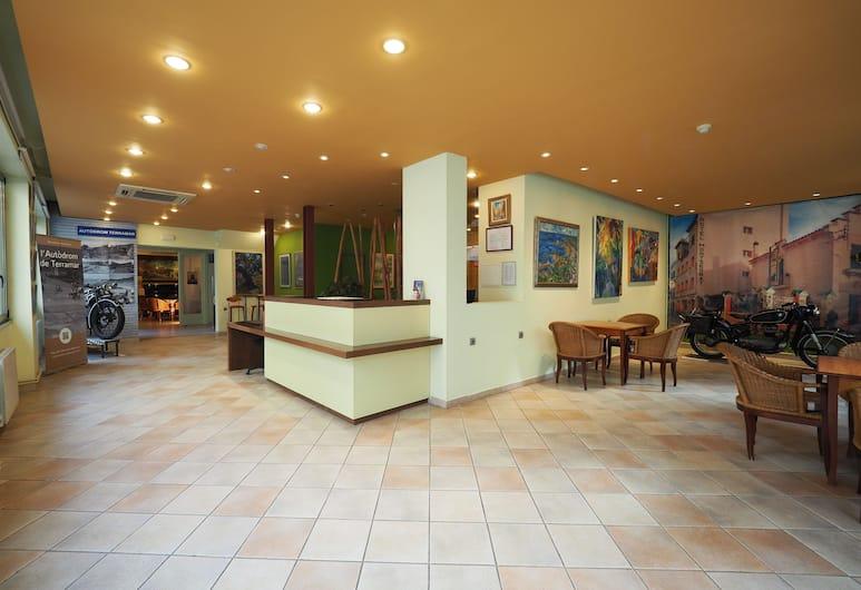 Hotel Montserrat, Sitges, Reception