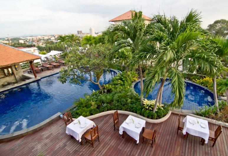 Sunshine Vista, Pattaya, Hồ bơi