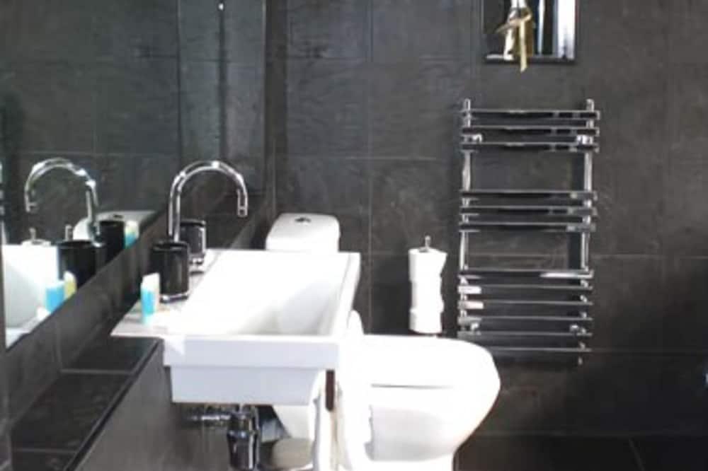 Standard, Jedan dvokrevetna soba - Kupaonica