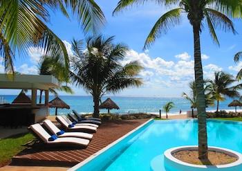 Picture of Le Reve Boutique Beachfront Hotel in Playa del Carmen