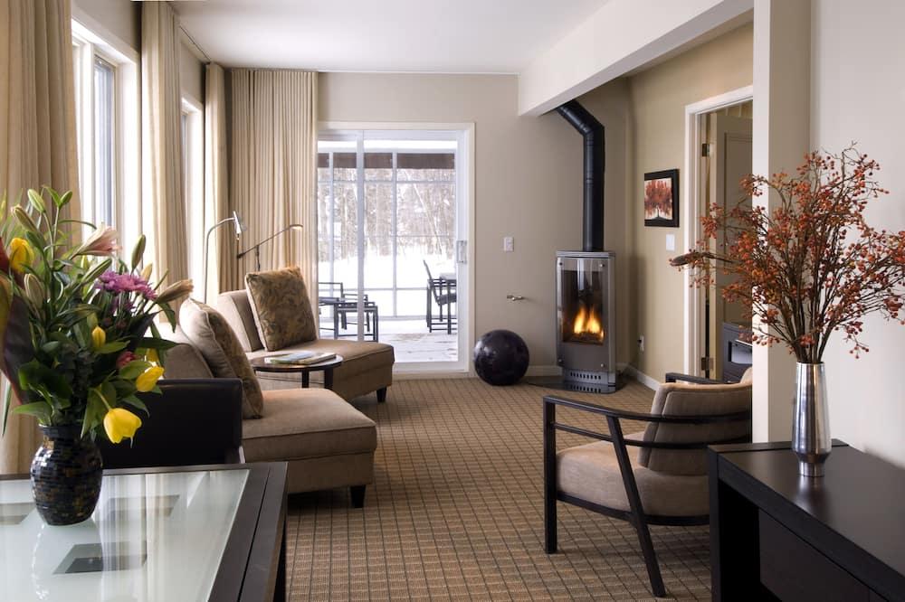 Suite (Heron) - Living Area