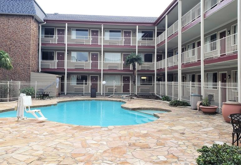 Red Roof Inn Kenner - New Orleans Airport NE, Kenner, Pool
