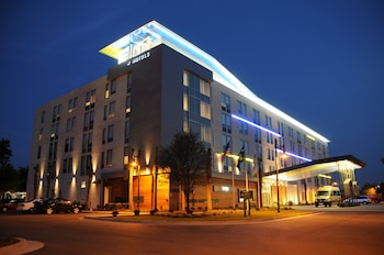 Picture of Aloft Charleston Airport & Convention Center in North Charleston