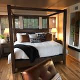Luxury Suite, 1 King Bed - Guest Room
