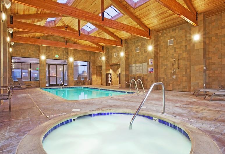 Holiday Inn Express & Suites Salinas, Salinas, Bazen