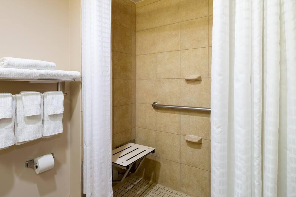 Suite estudio, 1 cama Queen size, con acceso para silla de ruedas (Hearing, Roll-In Shower) - Baño