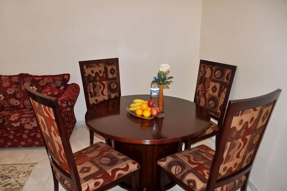 Executive Apartment, 2 Bedrooms - In-Room Dining