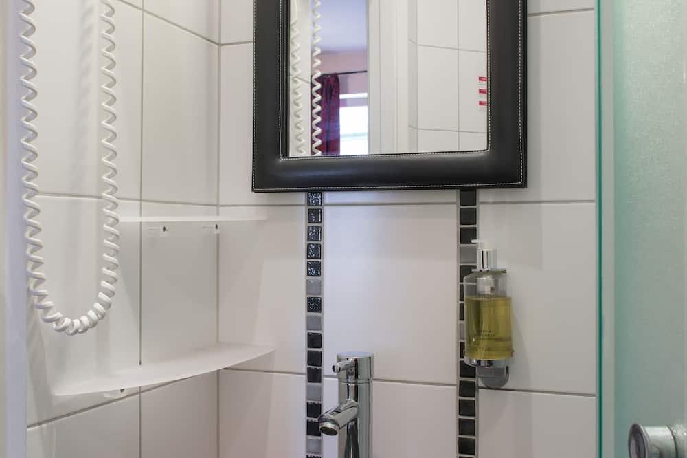 Standard Single Room - Kylpyhuoneen pesuallas