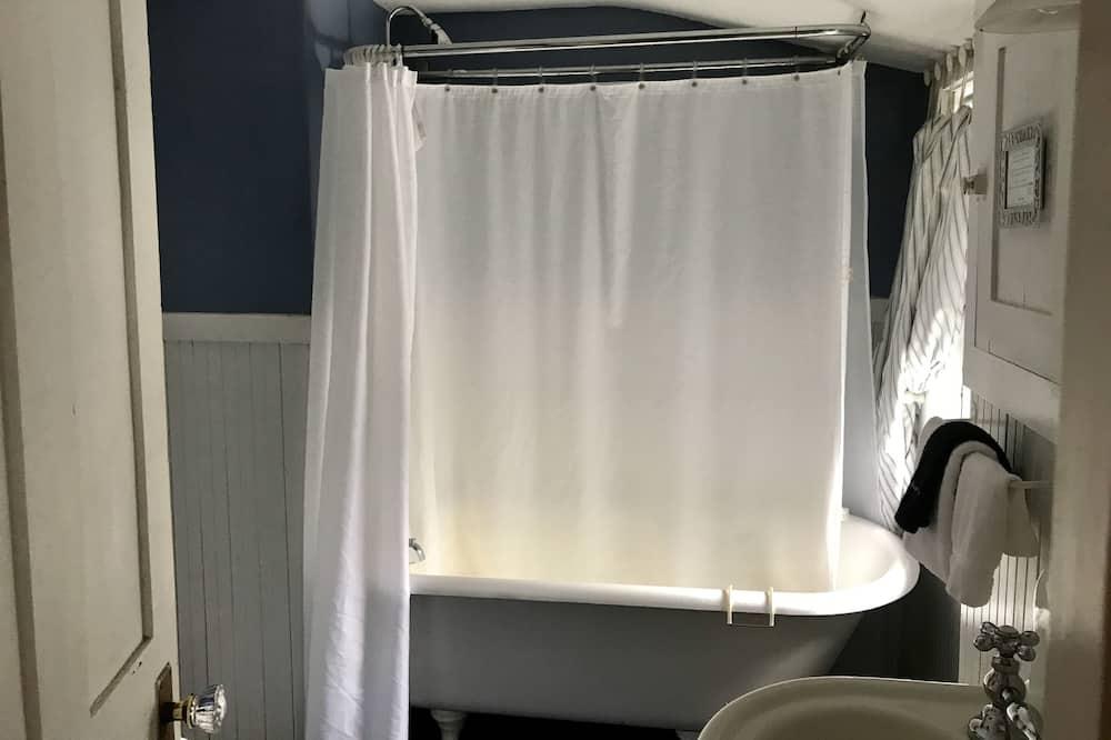 Стандартний тримісний номер, суміжна ванна кімната (Sally Room-205) - Ванна кімната