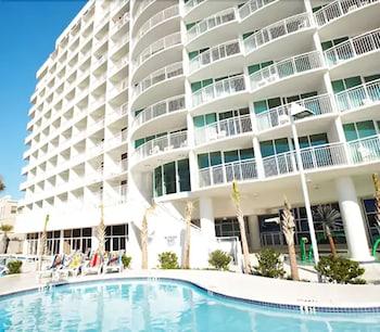 תמונה של Sandy Beach Oceanfront Resort במירטל ביץ'