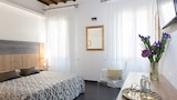 Book this Parking available Hotel in Florence