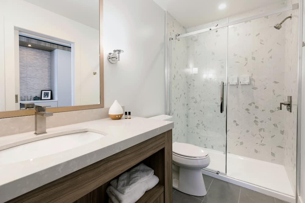 Superior-huone, 2 keskisuurta parisänkyä, Näköala laaksoon - Kylpyhuone