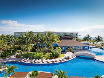 Picture of Azul Beach Resort Riviera Cancun, Gourmet All Inclusive by Karisma in Puerto Morelos