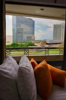Foto BSA Tower Serviced Residences di Makati