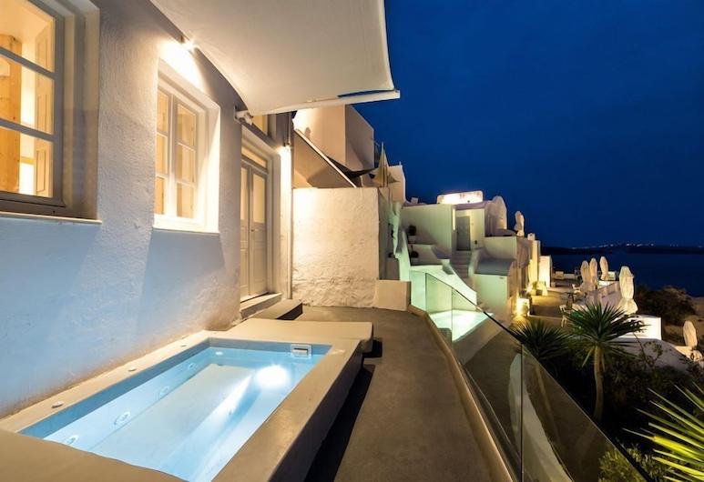 Armeni Village Rooms & Suites, Santorini, Superior Suite, Hot Tub, Guest Room
