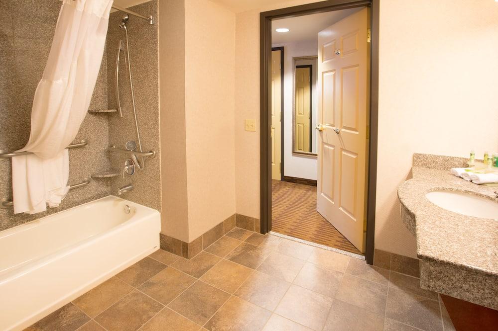 標準客房, 1 張特大雙人床, 無障礙 (Hearing, Mobility, Bathtub) - 浴室