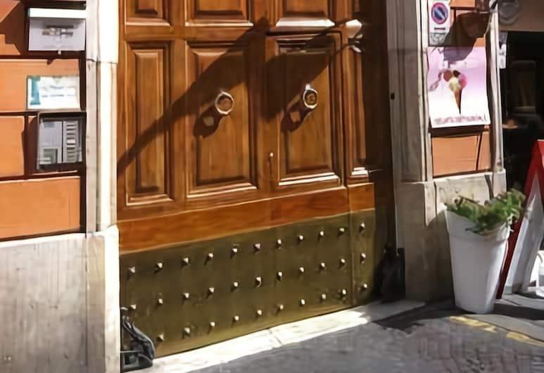 66 Imperial Inn DeLuxe, Roma, Hotellinngang