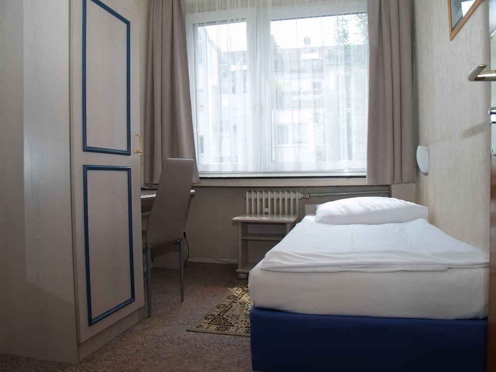 Hotel Berg, Cologne