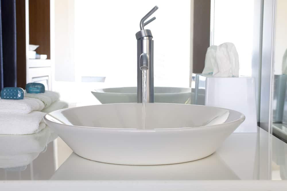 aloft king - Bathroom Sink