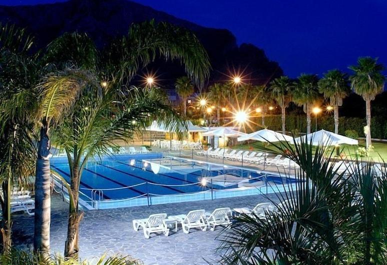 卡拉罗萨酒店, Terrasini, 室外游泳池