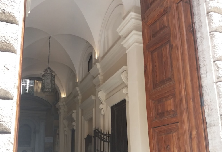 Residence Europa, Ρώμη, Είσοδος καταλύματος