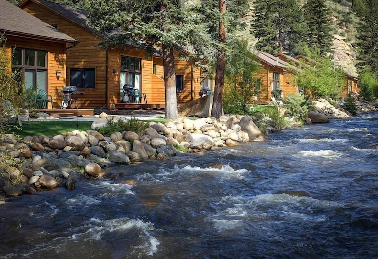 River Stone Resorts & Bear Paw Suites, Estes Parkas