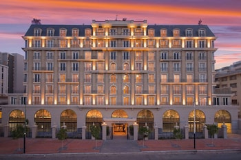 Picture of Cape Royale Luxury Suites in Cape Town