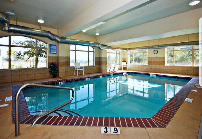 Comfort Suites University, Eugene, Pool