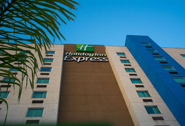 Holiday Inn Express Saltillo Zona Aeropuerto, an IHG Hotel, Saltillo