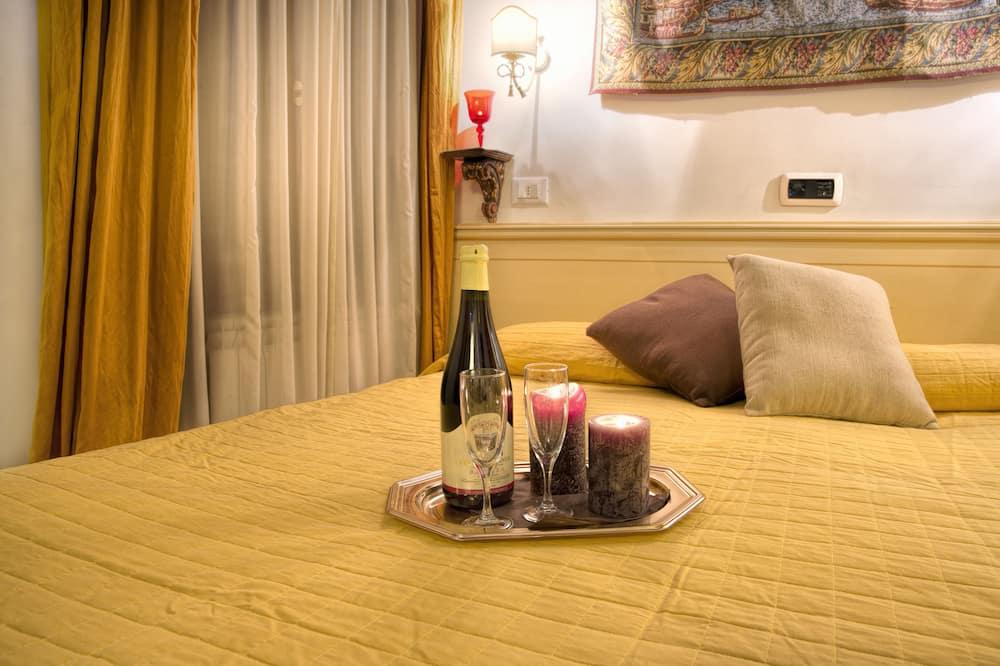 Pokój dwuosobowy z 1 lub 2 łóżkami typu Deluxe, prywatna łazienka - Pokój