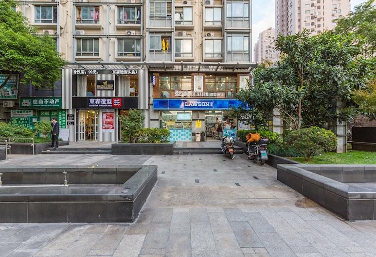 マイク 168 サービス アパートメント セントランド ショップ (Mike168 服务式公寓酒店), 上海, 施設の正面
