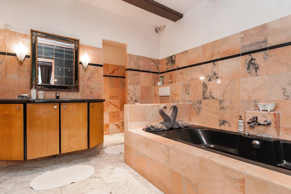 Deluxe - kahden hengen huone (3rd floor- stair access only) - Kylpyhuone