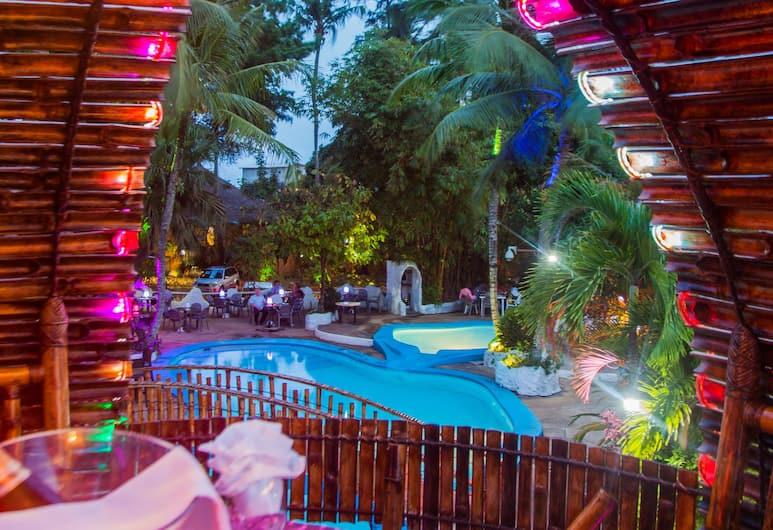 Le Wafou, Abidjan, Bar við sundlaugarbakkann