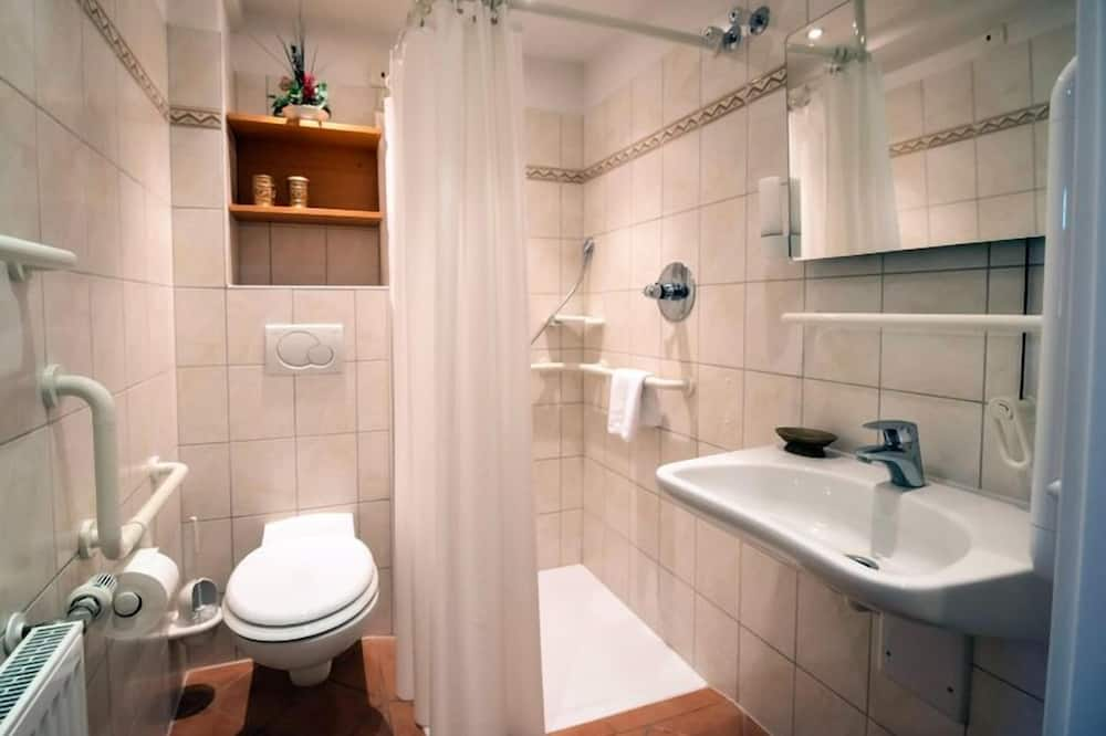 VIP Room - Bathroom