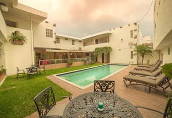 Introduce sus fechas y vea precios de hoteles última hora en San Salvador