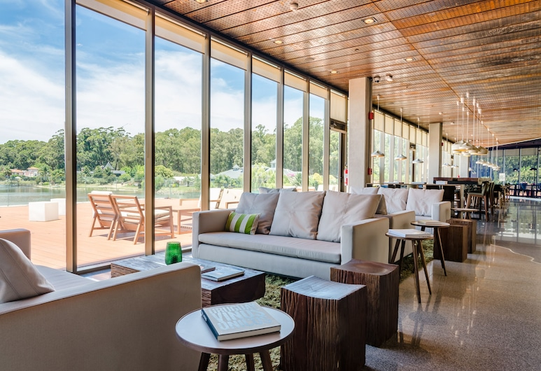 Hampton by Hilton Montevideo Carrasco, Montevideo, Salottino della hall