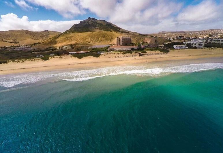 Townhouse, 5 Minutes From Lagoa Beach, Free Wi-fi, Porto Santo