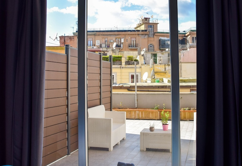B&B De Gasperi 55, Naples, Chambre Double Ville, 1 très grand lit, terrasse, Chambre