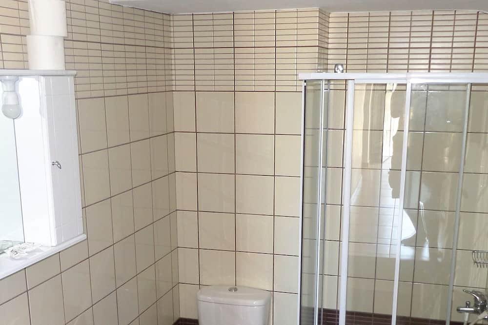 Apartment, 2 Bedrooms - Bathroom Shower