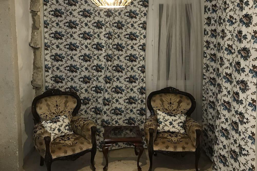 ห้องสแตนดาร์ดสำหรับสี่ท่าน - พื้นที่นั่งเล่น