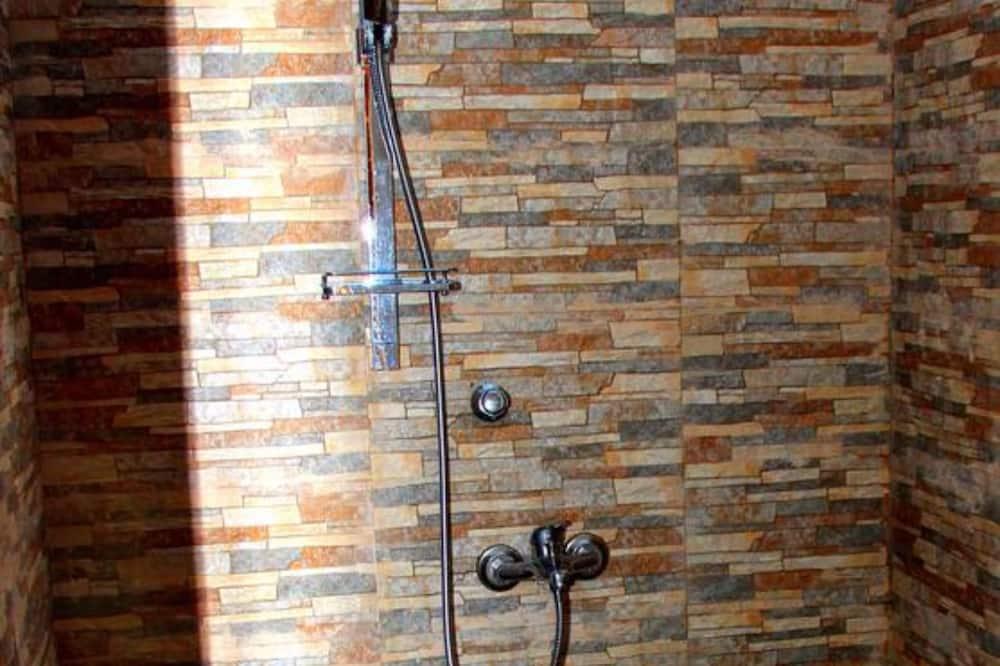 Standard Double Room, Garden View - Bathroom
