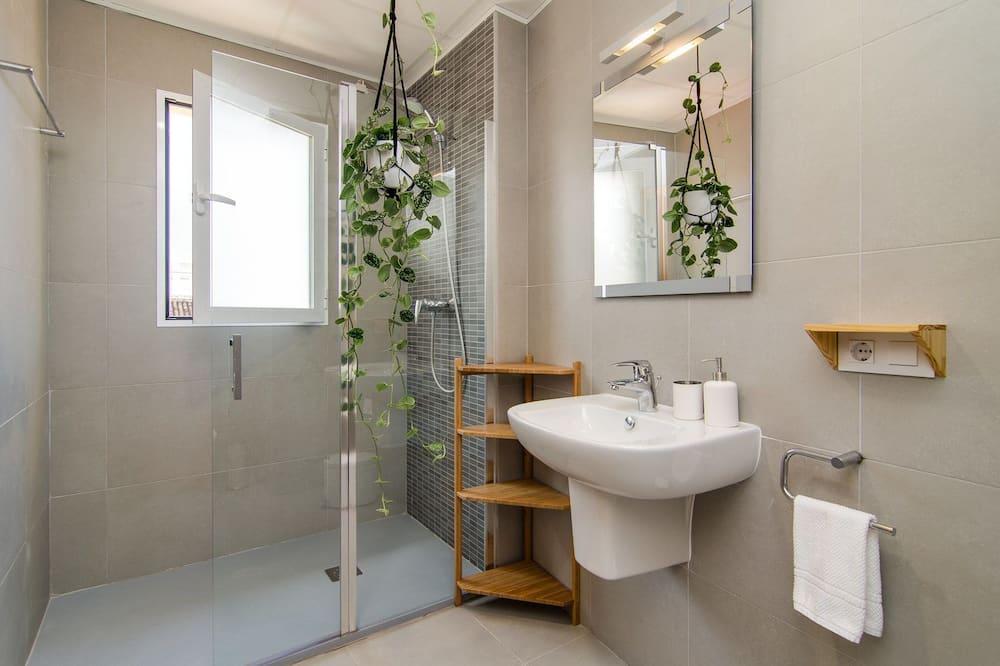 Doppelzimmer, 1 Queen-Bett, mit Bad - Badezimmer