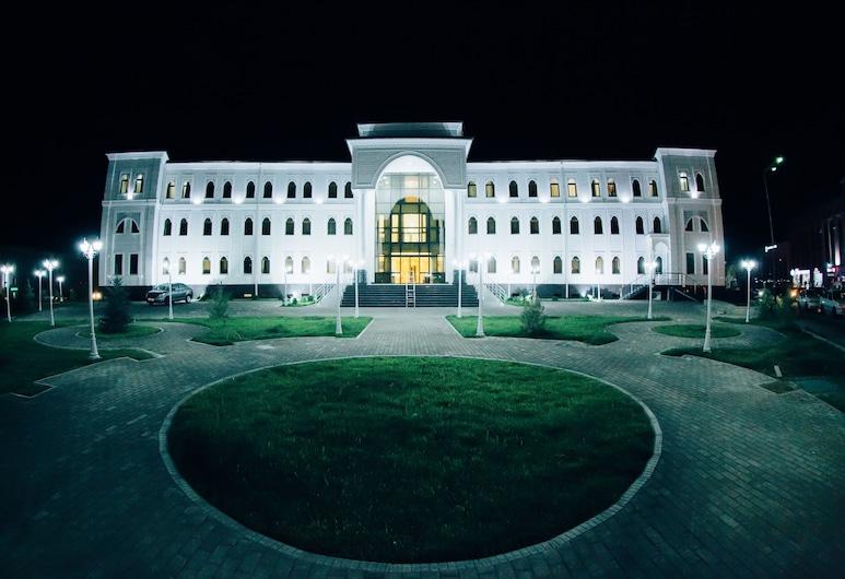 BEK 撒馬爾罕飯店, 撒馬爾罕, 飯店入口 - 夜景