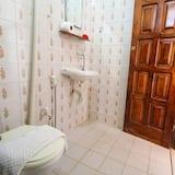 Standartinio tipo dvivietis kambarys, 1 standartinė dvigulė lova - Vonios kambarys