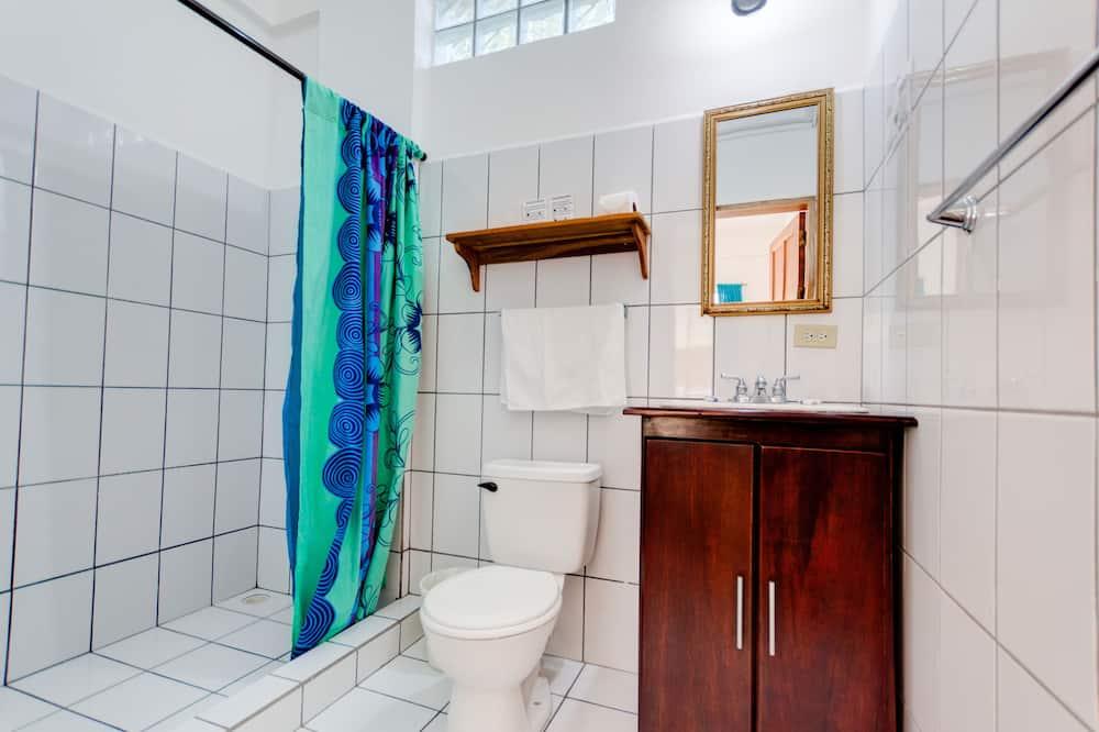 Classic Room, 1 Double Bed - Bathroom