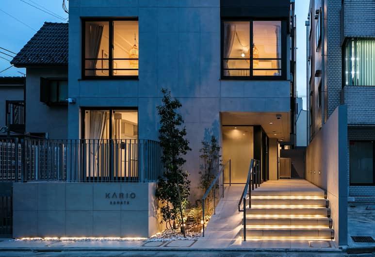 KARIO KAMATA, Tokyo, Bagian depan properti - di malam hari