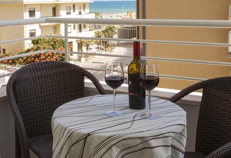 Hotel Houston Suites, Rimini, Terasa