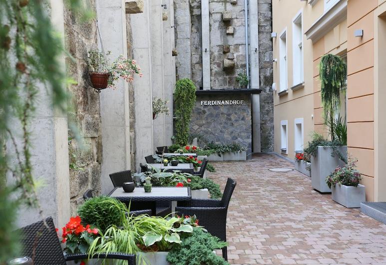 Ferdinandhof Apart-Hotel, Karlovy Vary, Terrace/Patio