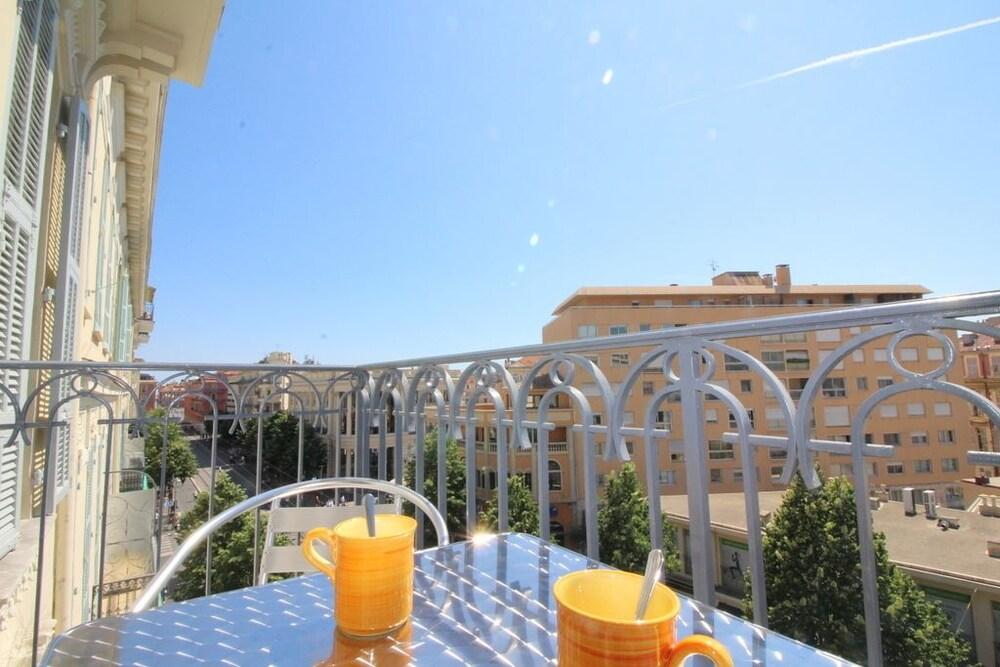 Nice Booking Victoire Mena Balcon Apartment 1 Bedroom Balcony